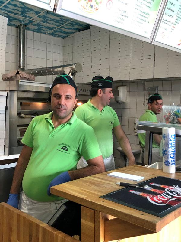 pizzeria karavan årsta meny